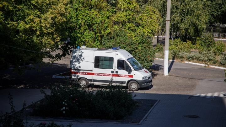 У него случился приступ, начались судороги: на заводе в Волжском погиб сварщик