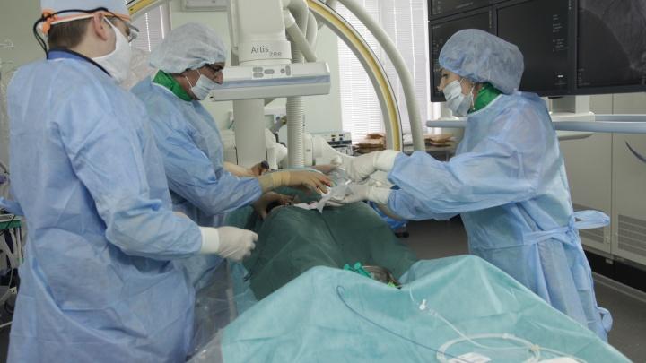 Помогла экстремально низкая температура: кардиохирурги Волгограда провели три уникальных операции на сердце