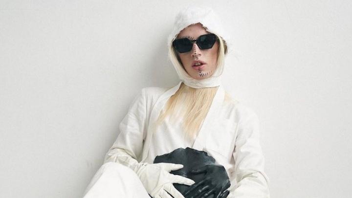 Теперь и в журнале: андрогин из самарской деревни появился на страницах Vogue