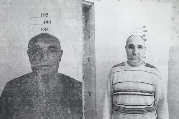 Мужчине на вид 45–50 лет
