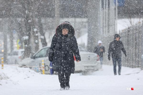 Сегодня в Челябинске был недолгий, но мощный снегопад