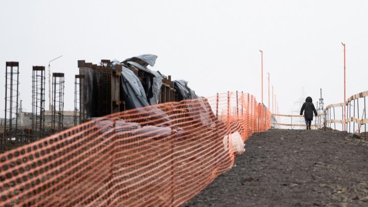 Нужно бо-о-ольше земли: администрация покусилась на еще один участок для моста на Малиновского