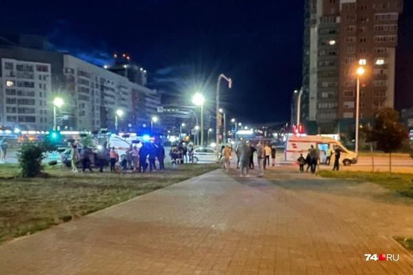 Авария произошла ближе к полуночи, но очевидцев оказалось немало