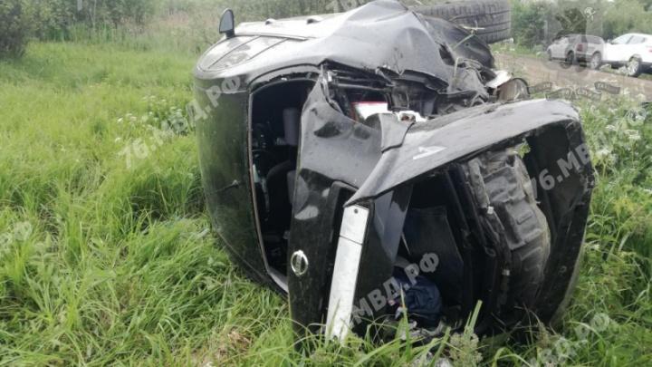 Мама и дети в больнице: водитель перевернувшейся в Ярославской области машины был пьян
