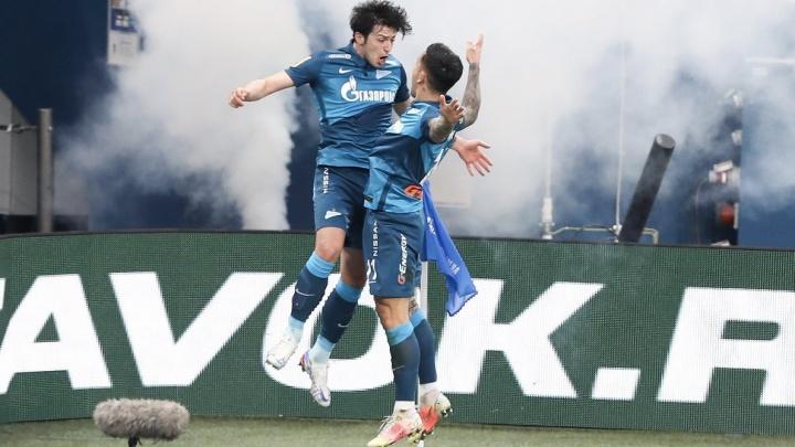 «Зенит» разгромил «Локомотив» и досрочно выиграл чемпионат России по футболу