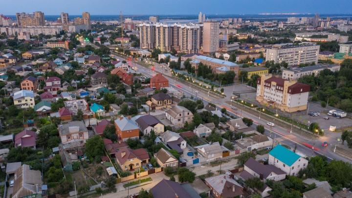 Днем до 43 градусов: синоптики предупредили об экстремальной жаре и дождях в Волгоградской области