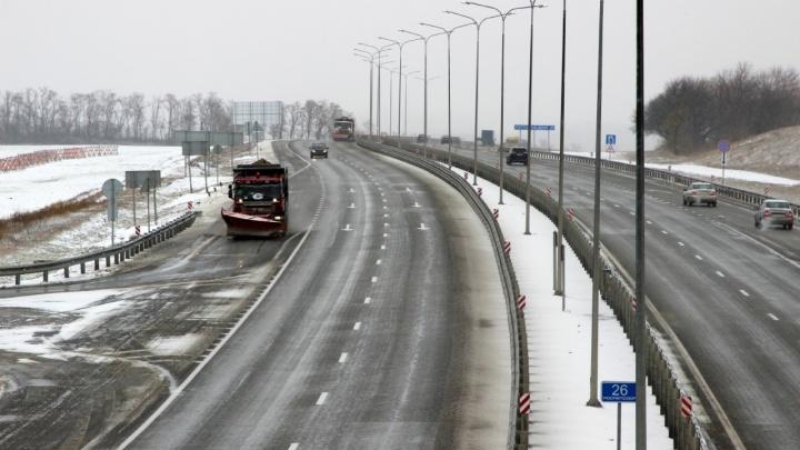 До конца дня улучшений не предвидится: Волгоградскую область заваливает снегом и заливает дождем