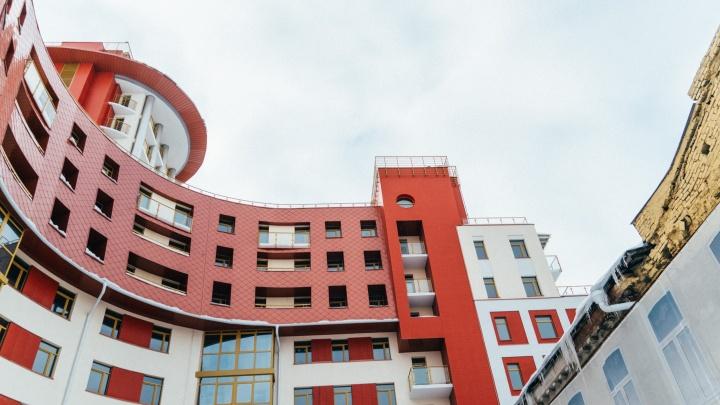 В Омске назвали лучшие здания, введенные за год. В их числе — высотка у «Яблоньки»