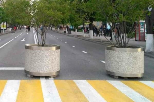 Вечером 23 апреля для движения автомобилей закроют не только Красную, но и две параллельные улицы — Красноармейскую и Рашпилевскую