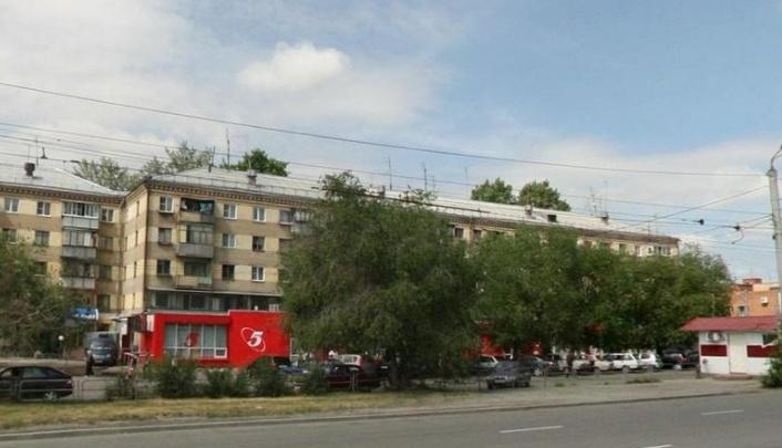 В Челябинске скорая больше полутора часов ехала к мужчине, которому стало плохо на улице