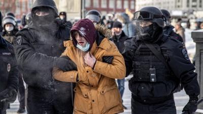 «Прилетело дубинкой по голове»: у 23-летнего новосибирца на митинге случился приступ эпилепсии