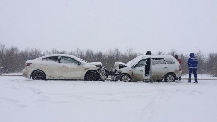 Скользко было: на трассе в Волгоградской области в аварии погиб пожилой водитель