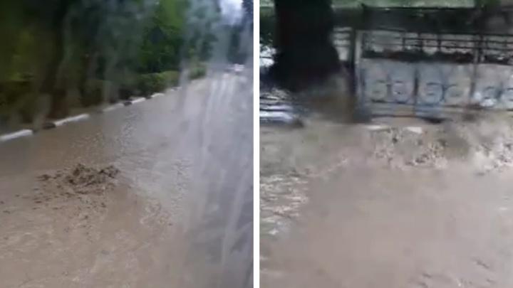 Новосибирские туристы застряли в Ялте из-за потопов. Что там происходит сейчас?