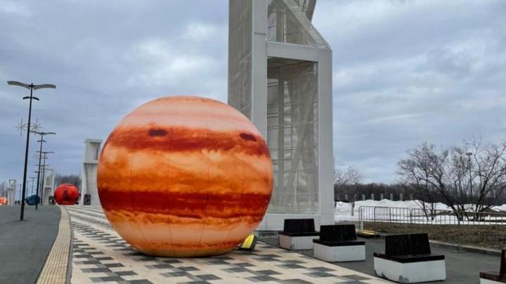 На территории около «Солидарность Арены» установят макеты планет