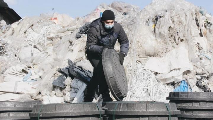 В мэрии согласились на эксперимент для решения проблемы открытых люков в Челябинске