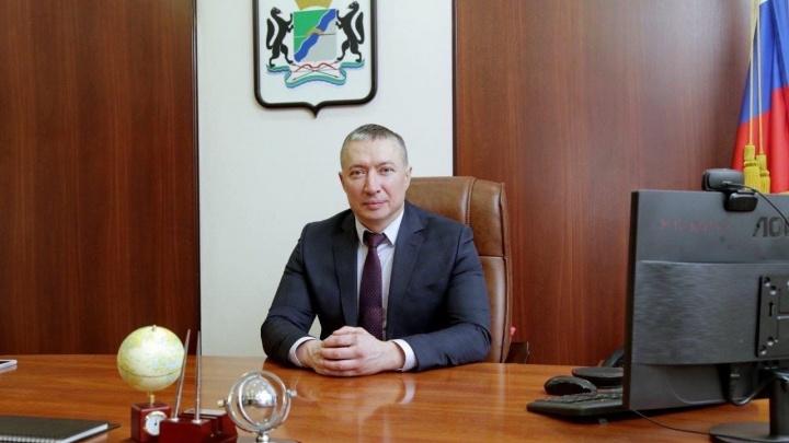 В Новосибирске увольняется глава Первомайского района. Есть две версии, почему он уходит