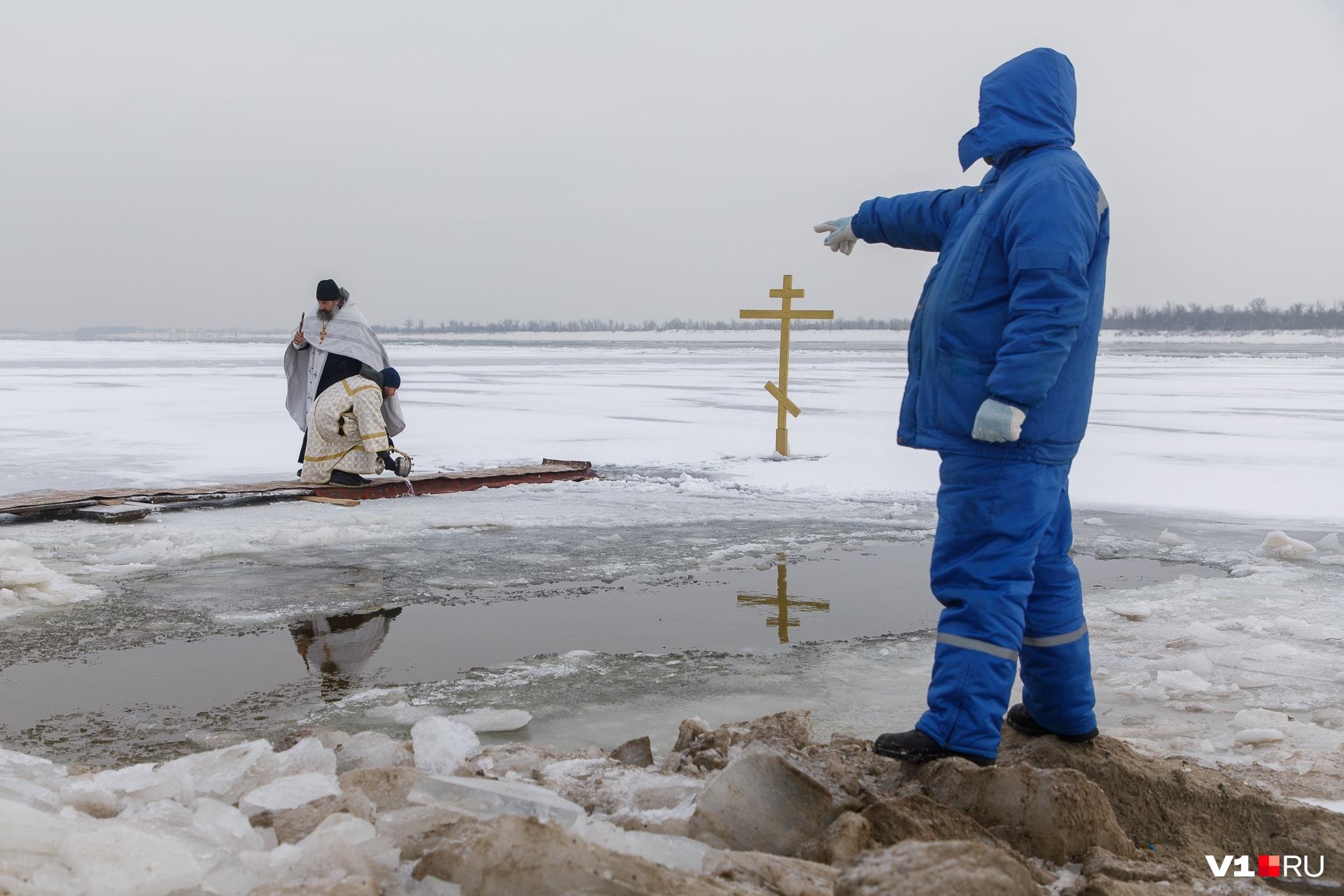 Несмотря на пандемию коронавируса, Волгоград не отказался от крещенских омовений