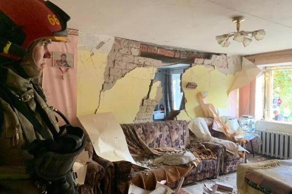 После взрыва в Верхней Пышме часть стен между квартирами обвалилась