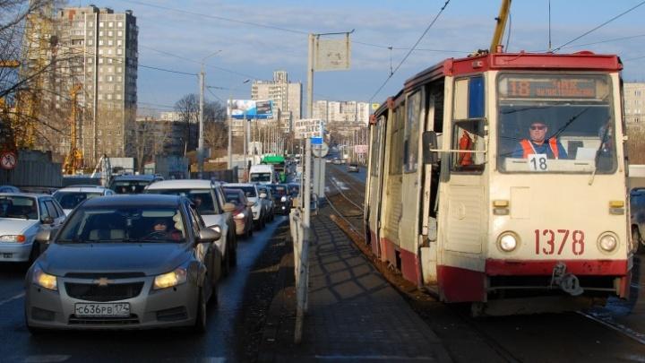 До закрытия Ленинградского моста на пересечении проспекта Победы и Российской ограничат движение транспорта