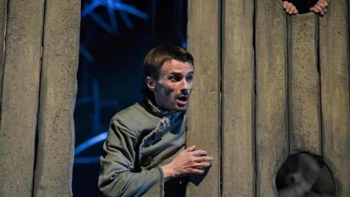 Смерть перед спектаклем: в гримерке Молодежного театра Башкирии нашли мертвым актера Евгения Лопатина