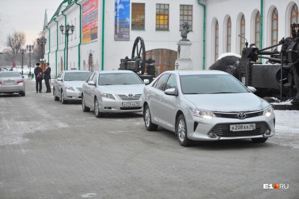 В гараже правительства Свердловской области много устаревших машин с большим пробегом