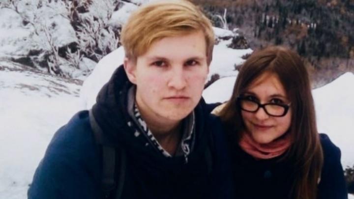 Красноярца Артёма Загребельного, распылившего перцовку в сотрудников ФСБ, признали политзаключенным