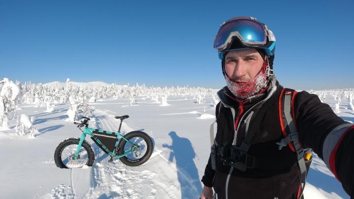 Ехал в -40°С, но ничего не отморозил. В лыжном марафоне на гору Ослянка впервые участвовал велосипедист
