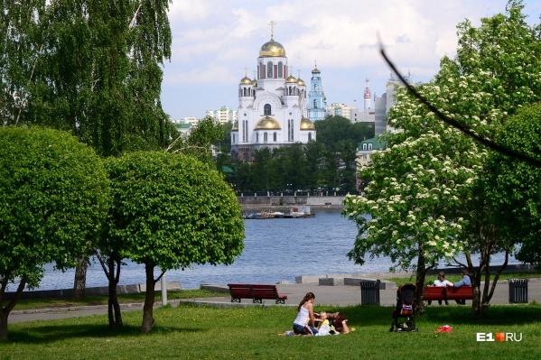 Весной 2019 года екатеринбуржцы выступали против строительства храма в сквере