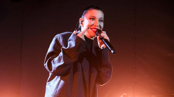 Певица Ёлка выступила на заключительном фестивале «Столица закатов». Смотрим фоторепортаж