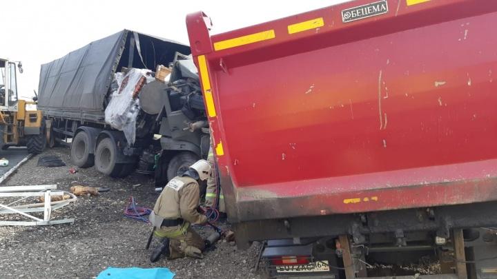«Машина попала под пресс». Эксперты — о том, почему произошло ДТП под Саратовом и как его можно было предотвратить