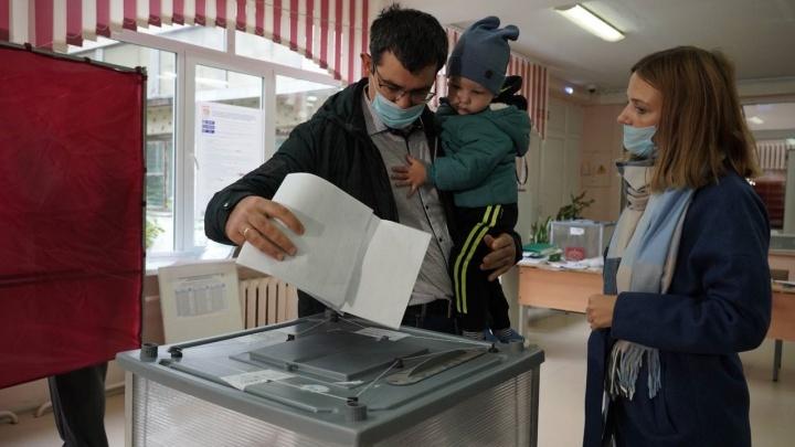 Блогер-миллионник и мать шестерых из Самары первой проголосовала на выборах