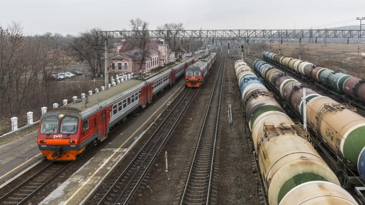 В Волгограде протекла цистерна с серной кислотой