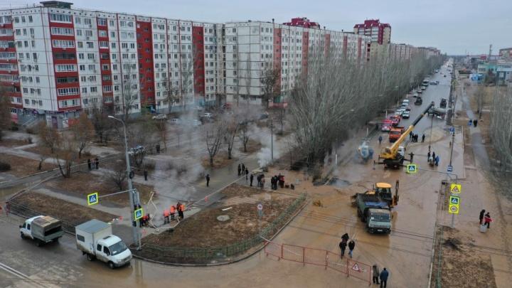 На месте коммунальной трагедии в Волжском «порезали» проезжую часть