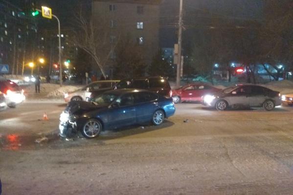 Из-за аварии на улице Дуси Ковальчук образовалась пробка