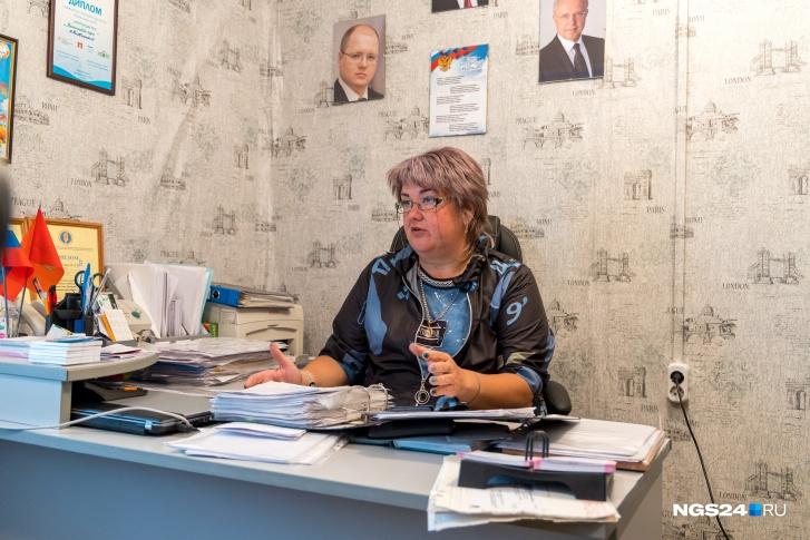 Глава сельсовета Наталья Лакомова пишет обращения в край, но это решает проблему лишь на время