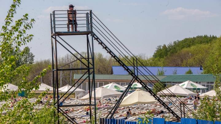 Купальный сезон в Челябинске начинают раньше срока из-за аномальной жары. Смотрим, в каком состоянии пляжи