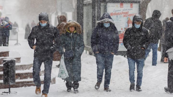 Волгоград до утра накроет мощным снегопадом. Мэрия готовится вывести на улицы десятки машин
