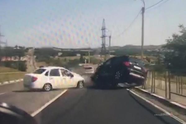 В аварии пострадали два водителя и один пассажир