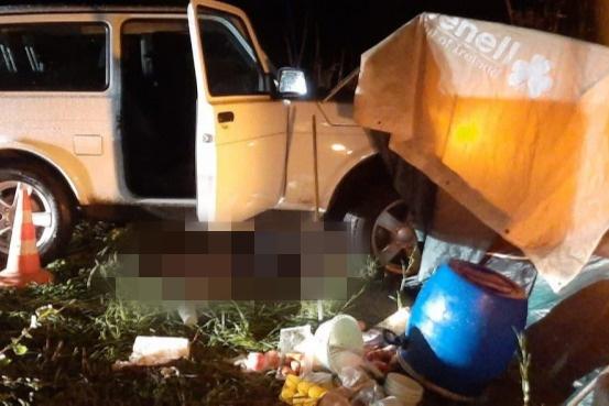 В Крутинском районе водитель «Нивы» задавил приятеля в палатке