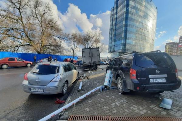 В ДТП на Седова попали шесть автомобилей