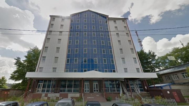 В Тюмени 12 лет стоит недостроенное общежитие для ямальских студентов. Когда завершат стройку?