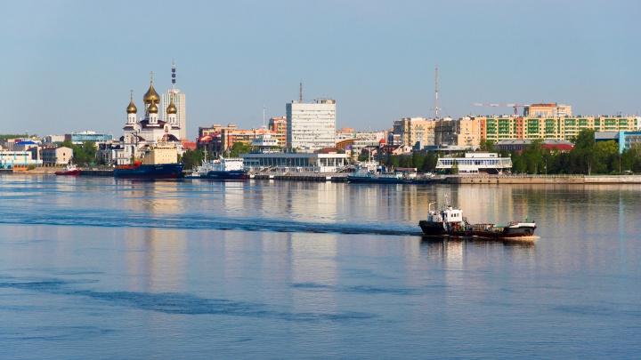 Смотрим на Архангельск с воды: как организовать прогулку по Северной Двине на выпускной или свадьбу