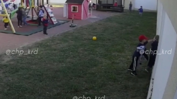 После драки трехлеток в частном детском саду Краснодара возбудили уголовное дело