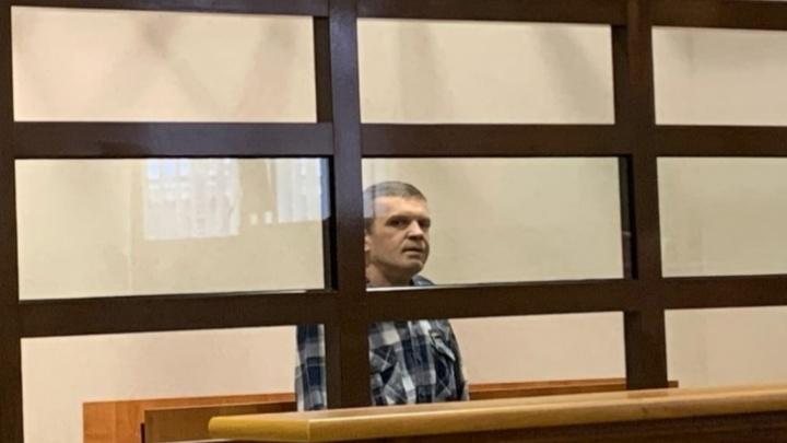 Сделал детей сиротами: в Ярославле суд вынес приговор токарю, застрелившему антиквара из-за долгов