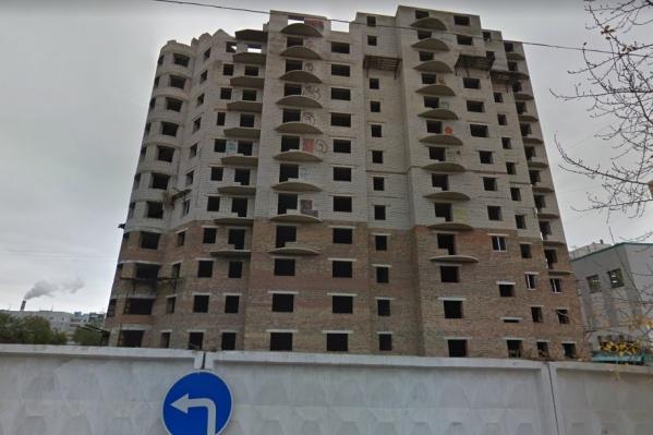 Свои квартиры не могут получить 89 человек