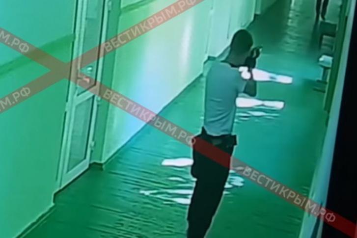 """Росляков расстрелял учеников керченского политеха. Погиб <nobr class=""""_"""">21 человек</nobr>, не менее 67 получили ранения"""