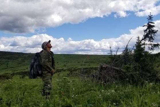 Алексей Бахтияров — один из последних манси, он остался жить на территории заповедника. Эти места манси заселяли много лет