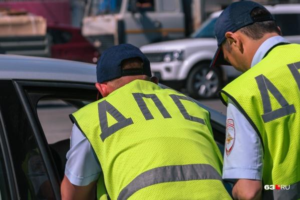 Инспекторы помогали водителям искать пути объезда