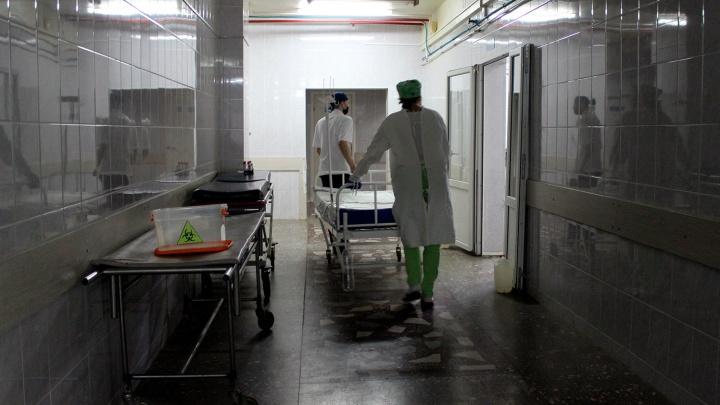 Скорая, которая насмерть сбила пешехода на омской трассе, везла хирурга на операцию