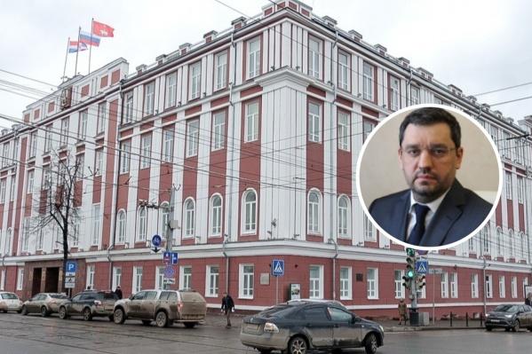Эдуард Хайруллин будет курировать департамент финансов, планово-экономический департамент и управление муниципального заказа